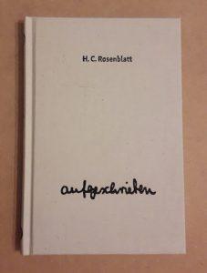 """Cover des Buches """"aufgeschrieben"""", helles Leinen mit schwarzer Schrift. Der Titel """"aufgeschrieben"""" ist in Schreibschrift"""